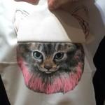 MELANTRICK HEMLIGHET メラントリックヘムライト ファーをまとったネコ めくった