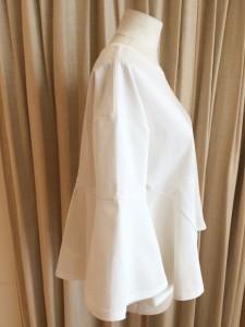 IMG 1455 225x300 【ara ara/アラアラ】ホワイトカラーで春を先取り!ぺプラムフレアTシャツ入荷☆