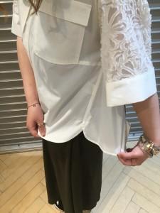 IMG 3833 225x300 『araara/アラアラ★白シャツなのに1枚でオシャレなレースコンビボタンダウンシャツ!』